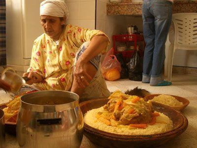 Couscous d 39 oum drou ponteba for Table yennayer